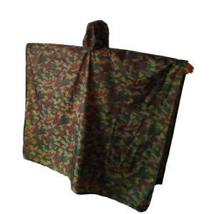 Kamouflagefärgad Regnponcho