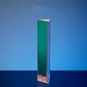 Triangelprisma med regnbågseffekt för kreativ fotografering