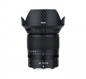 Kiwifotos Skin för Nikon NIKKOR Z 24-70mm f/4 S - Svart kolfiberfilm